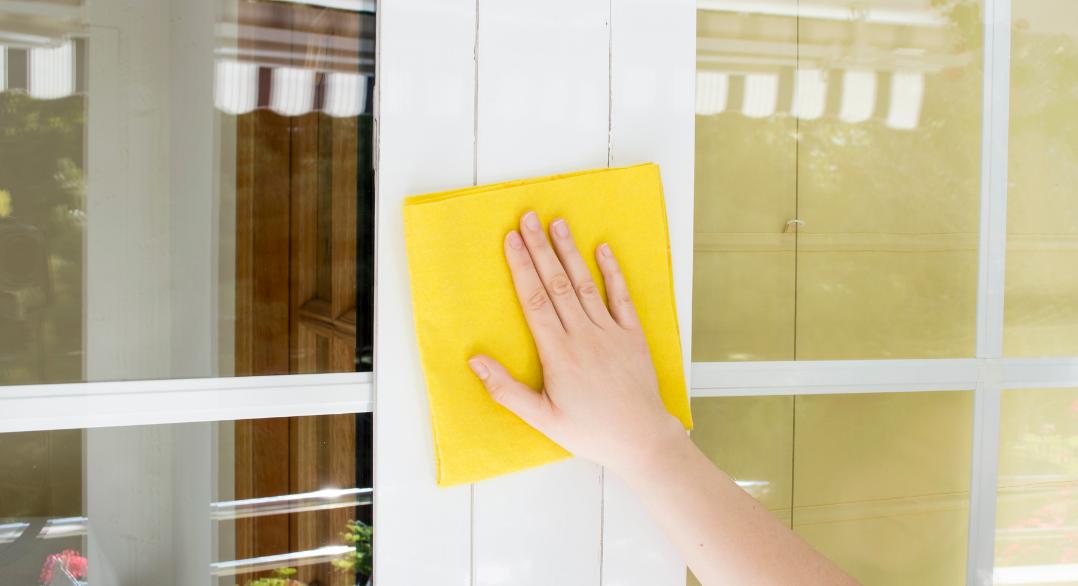 ¿Cómo limpiar ventanas de aluminio?