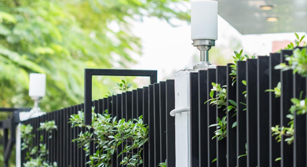 ¿Cómo escoger las vallas metálicas para jardín?